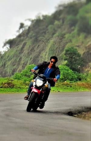 Suraj Bhosale Travel Blogger