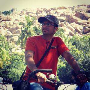 Syed Muzamil Travel Blogger