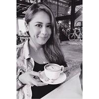 Zahra Hamzah Travel Blogger
