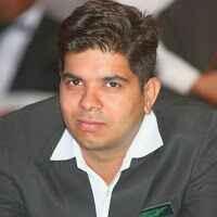 Varun Suri Travel Blogger