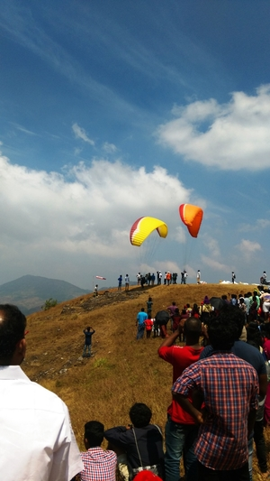Paragliding in Vagamon - How I Conquered My Fear of Heights!