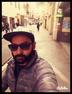 sunmeet Travel Blogger