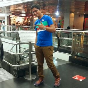 Kavish Nim Travel Blogger