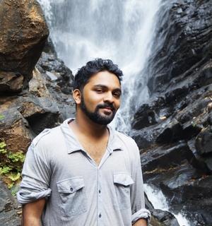 kushal dabolkar Travel Blogger