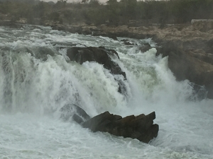Fall of Bedaghat( jabalpur)
