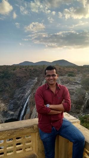 Piyush Singh Travel Blogger