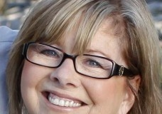 Sandi McKenna Travel Blogger