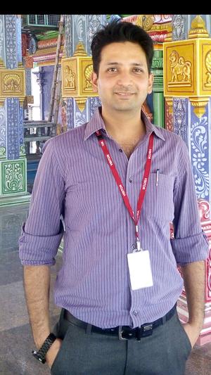 Eddy  Travel Blogger
