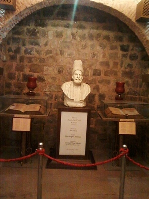 Hidden Gems of Delhi: Tomb of Safdarjung and Mirza Ghalib ki Haveli