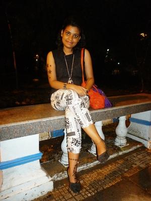 angela Travel Blogger