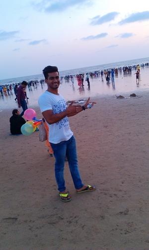 muneeb Travel Blogger