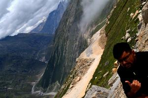Akash Mohindra Travel Blogger