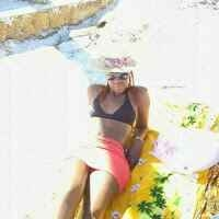 vanessa newland Travel Blogger