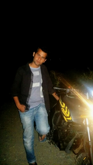 Ishan  Travel Blogger