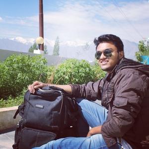 Dr. Rohit Travel Blogger