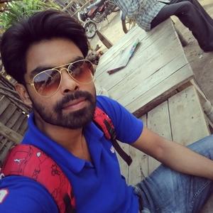 Zeeshaan Faridi Travel Blogger