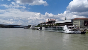 How to spend an afternoon in Bratislava? On the boat!