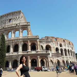 Diana  Travel Blogger