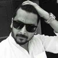 Sharick Khwaja Travel Blogger