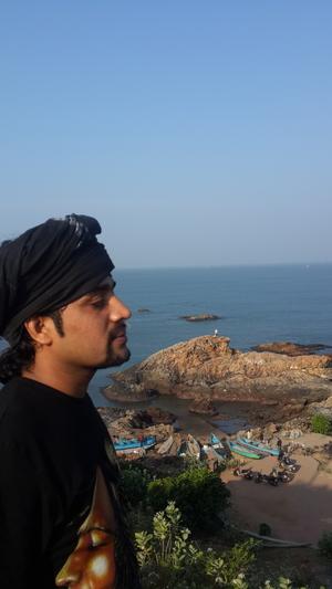 വിജേഷ് വി ജെ Travel Blogger