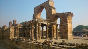 Insight of the first city of Delhi (lalkot): Qutub Complex