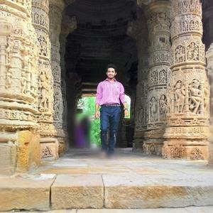 Vimal Nayee Travel Blogger