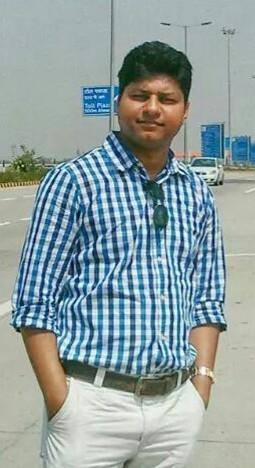 Roopam Saxena Travel Blogger