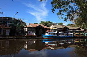 Backwater cruise through the National Waterway No.3