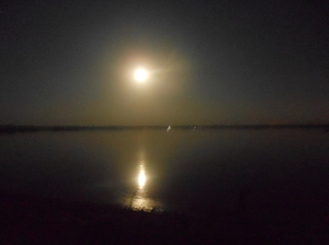 Motorcycle Diaries: Chandail Lake in the Full Moon Night.