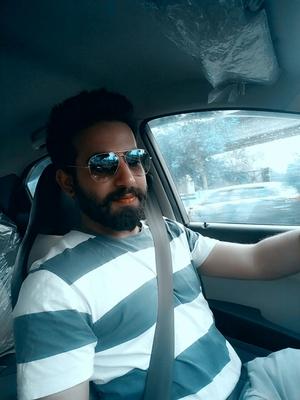 Ishank Galhotra Travel Blogger