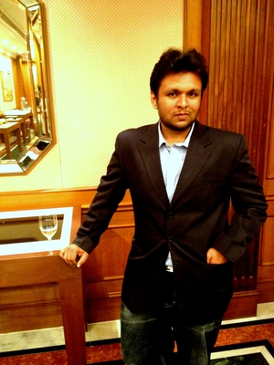 Bhoomin Travel Blogger
