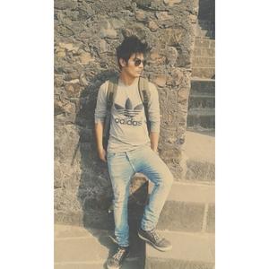 hamza ansari Travel Blogger