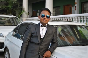 Javed Akthar Travel Blogger
