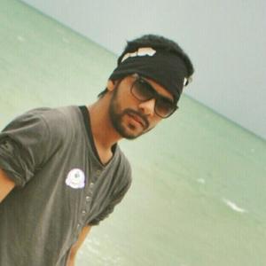 abhishek naik Travel Blogger