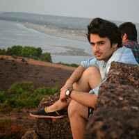 Divyanshu Dhingra Travel Blogger