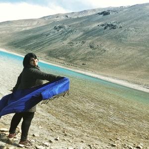 Hansa Jeswani Travel Blogger