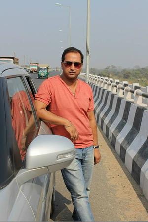 Dibyendu Roy Travel Blogger