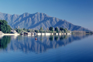 Houseboats- The Floating Palaces of Kashmir