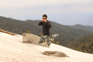 Niz Chauhan Travel Blogger