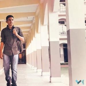 Madur  Travel Blogger