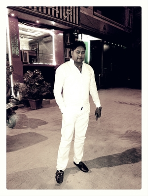 Arif Hashmi Travel Blogger