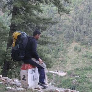 Tosh Thakkar Travel Blogger