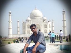 Shadab Hussain Travel Blogger
