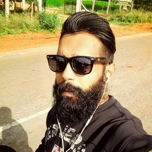 Ashis Jaiswal Travel Blogger