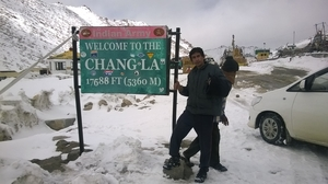 How many Undies you need to carry if you travel to Ladakh in winter?