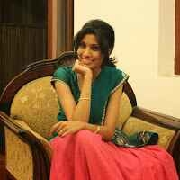 Surabhi Sanjay Travel Blogger