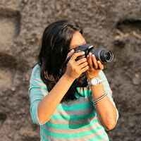 sonal pose Travel Blogger