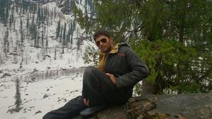 Akarshan Devanand Travel Blogger