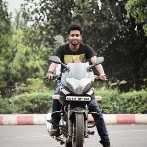 Sofiq  Travel Blogger