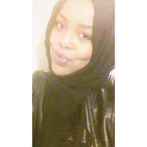 Muna Yusuf Travel Blogger